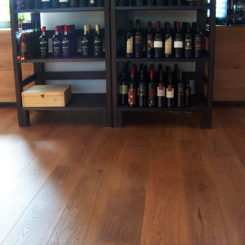 restavracija-in-vinoteka-mama-oljene-hrastove-deske-044